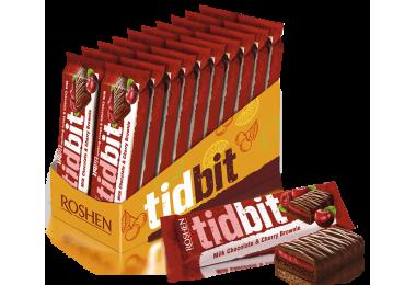 Шоколад Roshen молочний TIDBIT з начинкою зі смаком Вишневий Брауні 50г